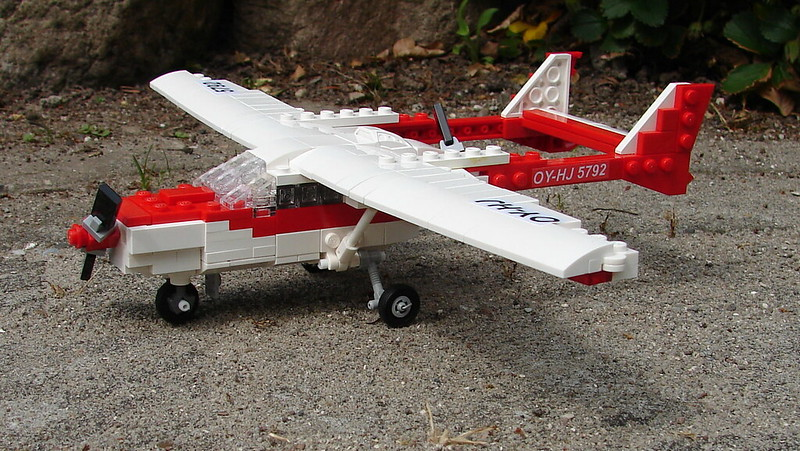 Cessna 337 Skymaster (9)