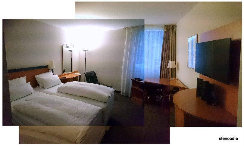 Hotel NH Frankfurt Airport West room