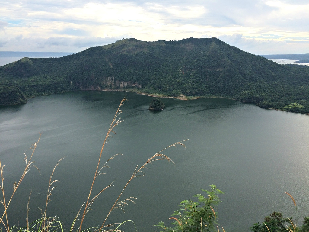 Taal Volcano Crater - Copyright Travelosio
