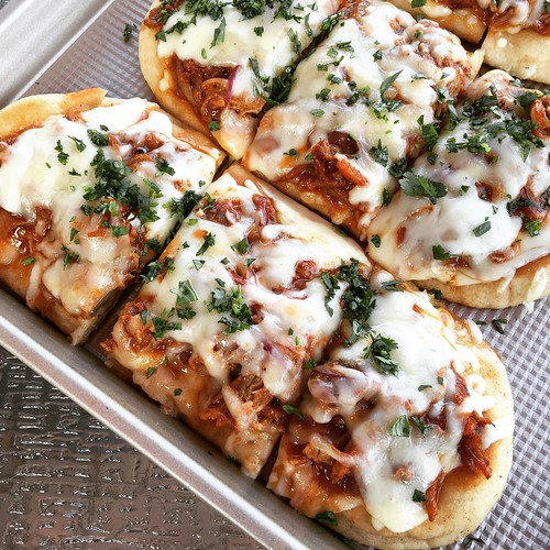 Pulled pork pizzas