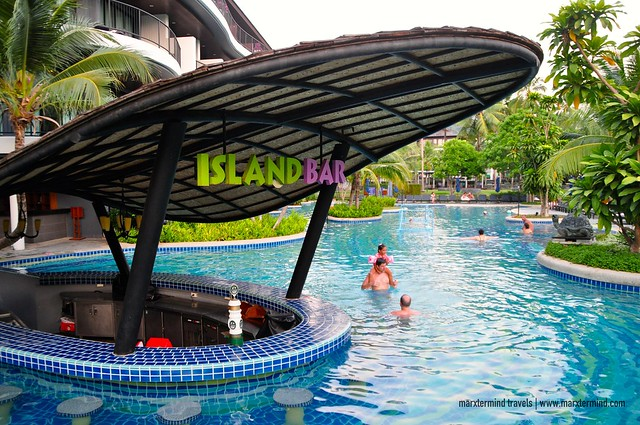 Island Bar at Holiday Inn Resort Krabi