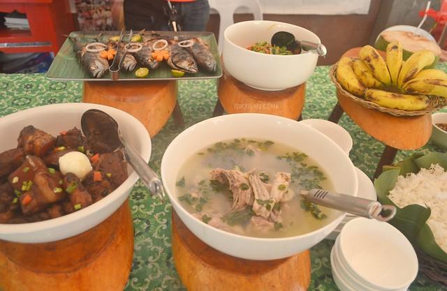 lunch bojo river aloguinsan cebu