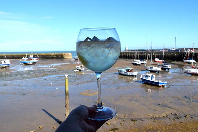 Gin Mare G&T at Rocksalt, Folkestone | www.rachelphipps.com @rachelphipps