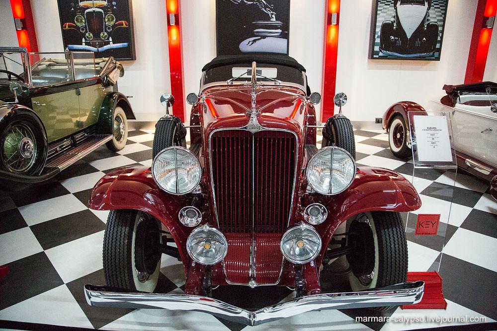33-1-Auburn-8-98-Boatail-Speedster-1931