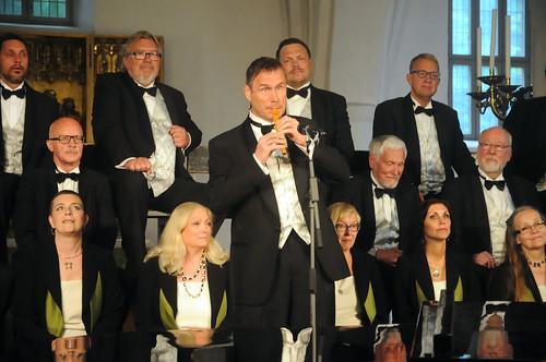 Kjell Lönnå och Sundsvalls kammarkör – Mats Ottoesen på spelpipa