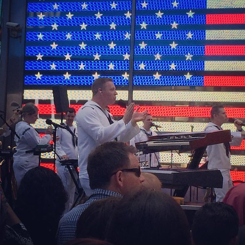 #fleetweeknyc Navy Band performing in #timesquarenyc they were so good! #gonavy⚓️