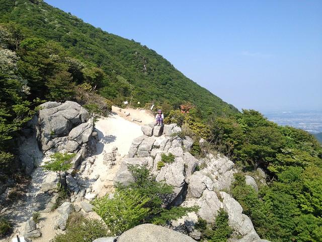 竜ヶ岳 表道 重ね岩の写真を撮るしな