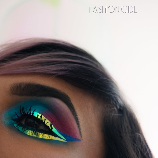 Face Lace Iridescent Liner 11_