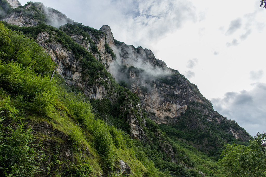 Italy – Grotte di Frasassi