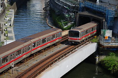 Marunouchi line at Ochanomizu