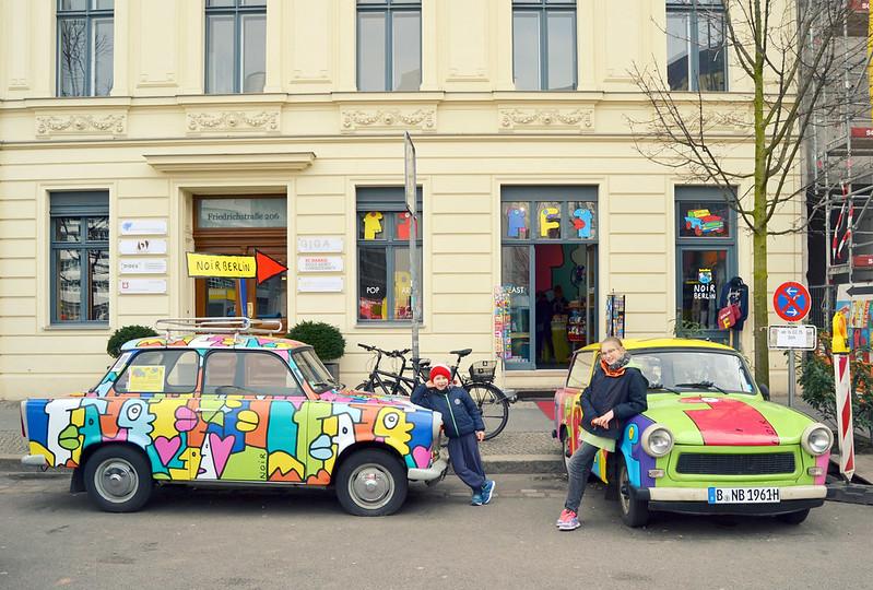 chicos autos de colores Berlin 2016
