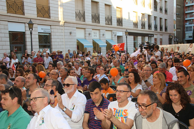 A la Valenciana mitin en Alzira