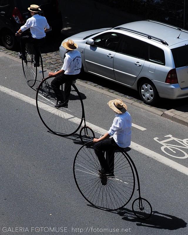 3 Bicyclists