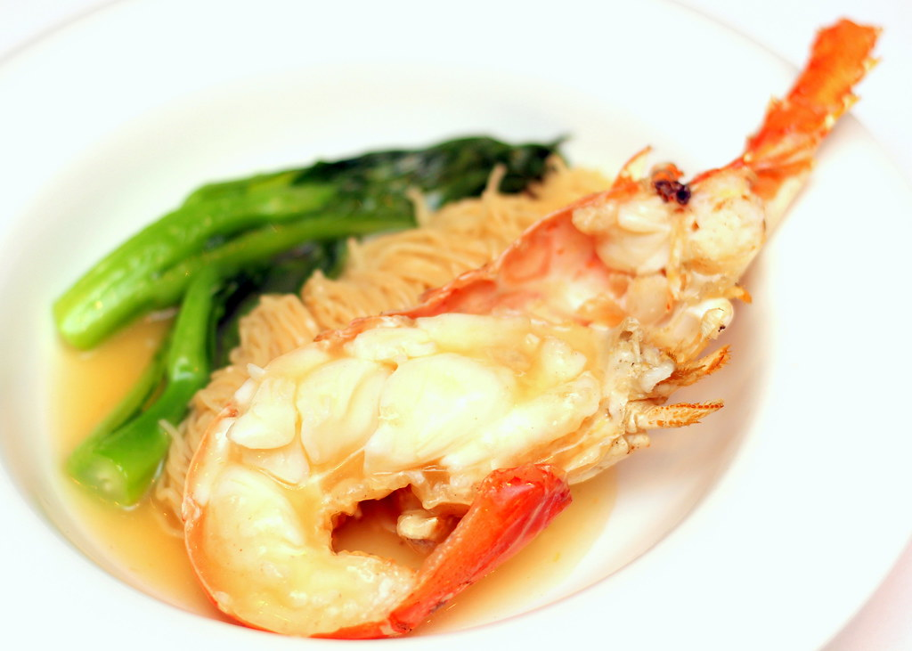 Marriott Hotel Wan Hao Chinese Restaurant Wok Fried Wanton Noodles with Lobster in Superior Stock