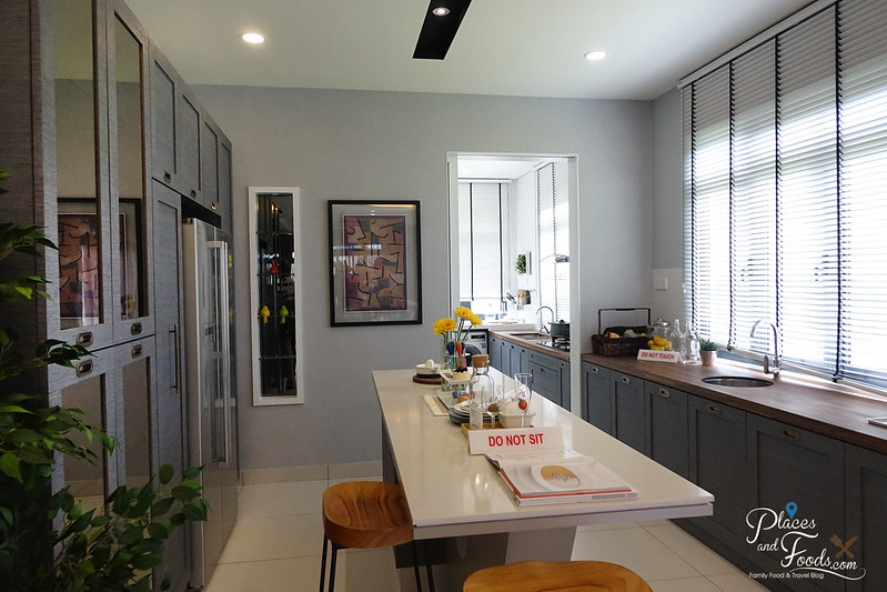 the vantage superlink dining and kitchen