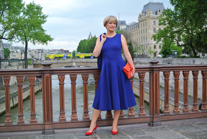 Midlifechic in Winser London | Cobalt blue midi dress and jacket with red heels