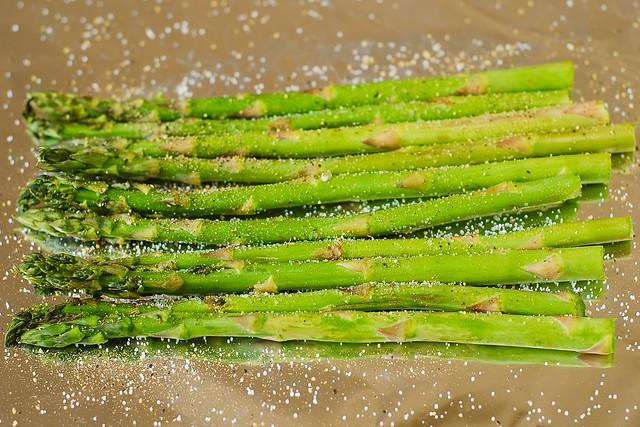 asparagus on foil