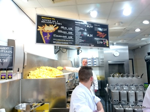 Manneken Pis fries station
