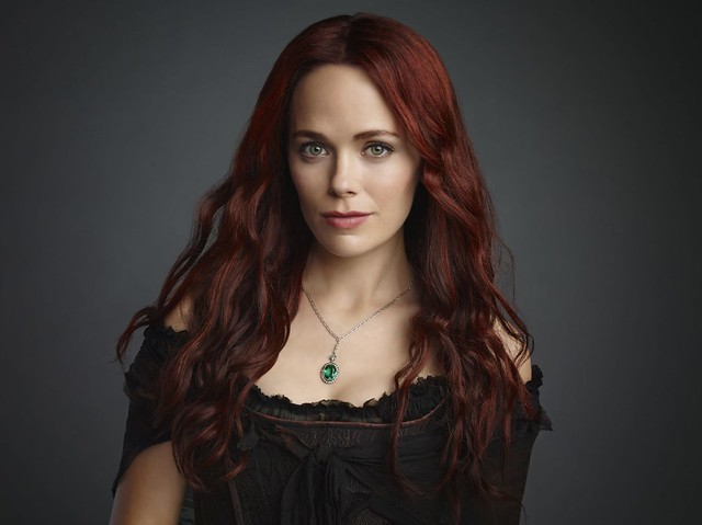 katia-winter-sleepy-hollow-season-2-promoshoot_1