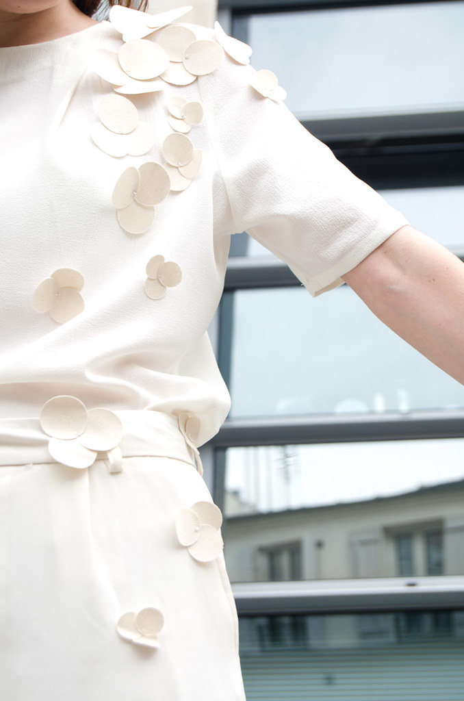 diy-camisetas-personalizadas-flores-tela-fin10