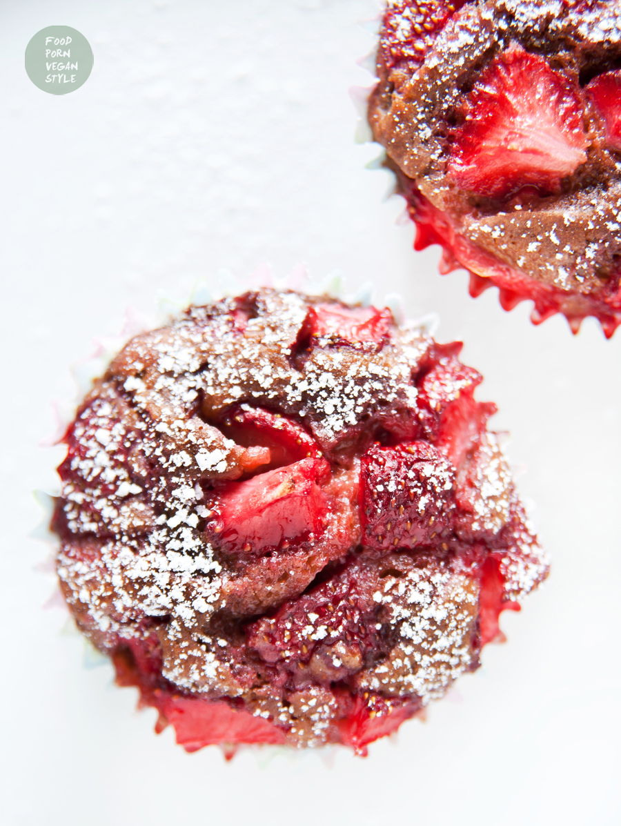 Simple vegan strawberry muffins