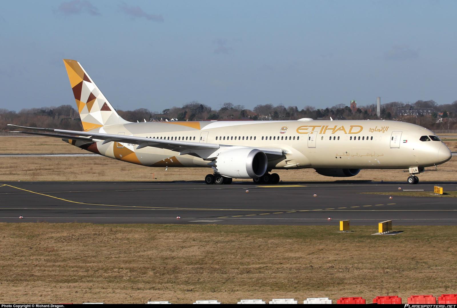 a6-bla-etihad-airways-boeing-787-9-dreamliner_PlanespottersNet_582023