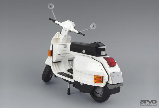 LEGO Vespa P200