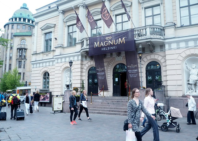 magnumhelsinkiP5265276,magnumhelsinkiP5265277,magnumkendalljennerP5255230,magnumicecreamP5255222magnumicecreamP5255221,magnumhelsinkiP5255211, magnumhelsinki, magnumfinland, vanha ylioppilastalo, vanha, pop up ice cream bar, pop up jäätelöbaari, icecream, jäätelö, customised, itsetehty, luksusjäätelö, luxus icecream, visit helsinki, helsinki tips, magnum helsinki pleasure store, magnum jäätelö, magnum ice cream, vanha, vanha yo talo, mannerheimintie, helsinki, helsinki tips,