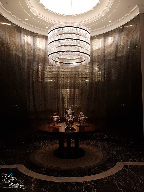 taka by sushi saito st regis kl chandelier entrance