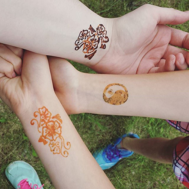 got henna tattoos with my girls! 💕💕 Happy Canada Day!!