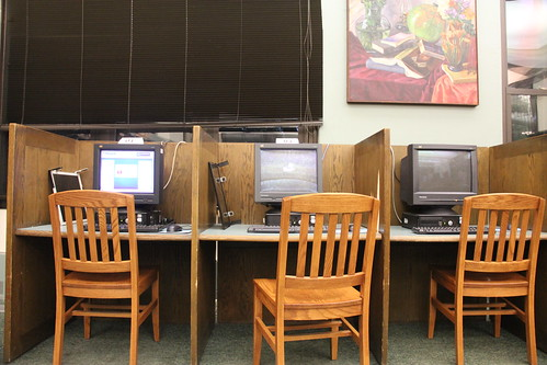 Kelly Library Public Computer Center