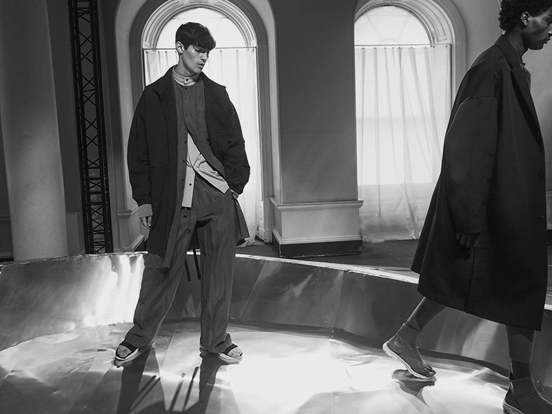 MikkoPuttonen_LCM_Fashionweek_photodiary_Londoncollectionsmen_London_Qasimi_ss17_presentation2_bw_web