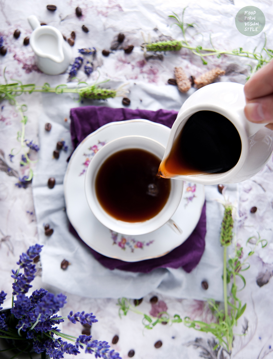 Coffee with lavender (cold brew, iced-coffee)