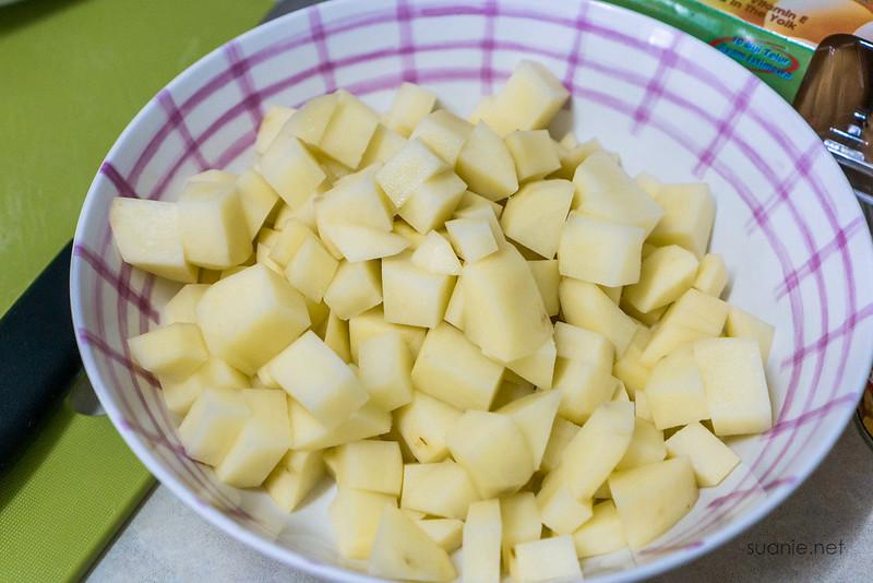 Recipe Lance Clam Chowder - potatoes
