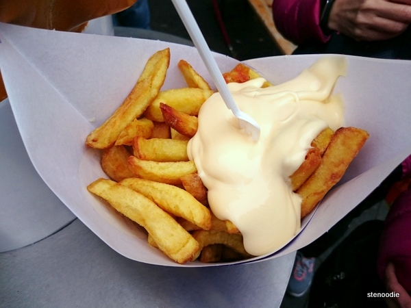 Manneken Pis Fries with Mayonnaise