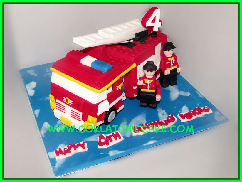 cake firetruck