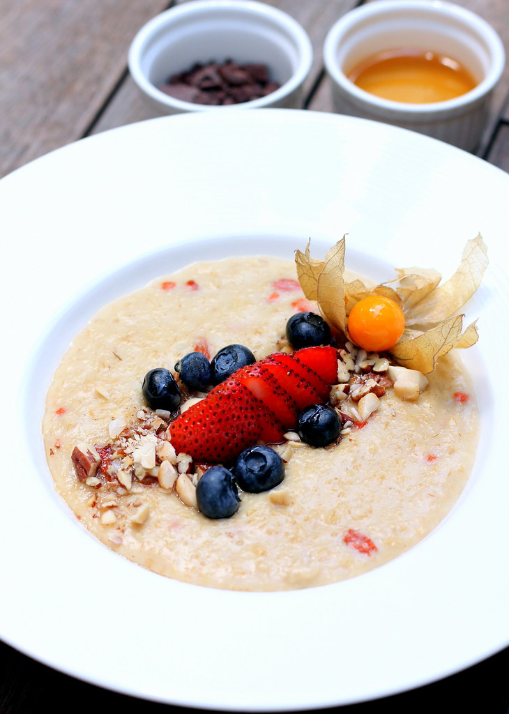 oriole-coffee-bar-wild-berries-oatmeal