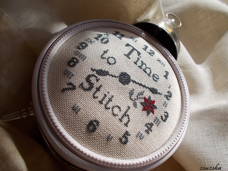 needlework press, time to stitch, cross stitch, clock (2)
