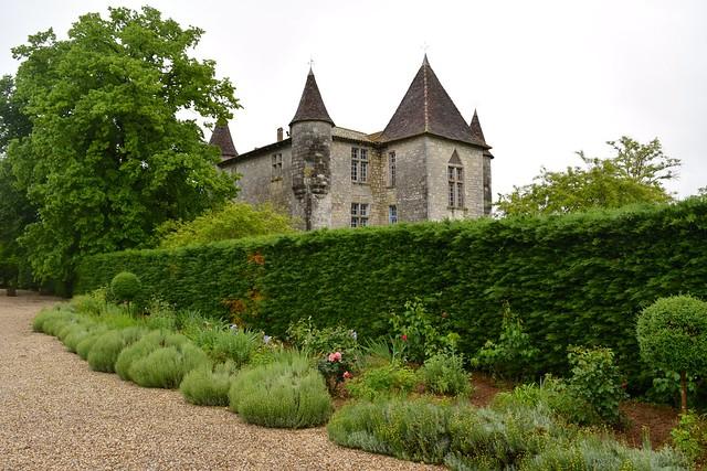 Visiting Chateau Panniseau | www.rachelphipps.com @rachelphipps