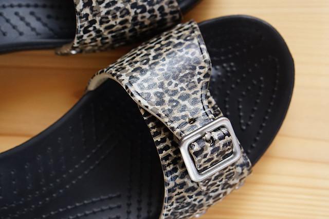 crocs sarah leopard sandal w 拡大