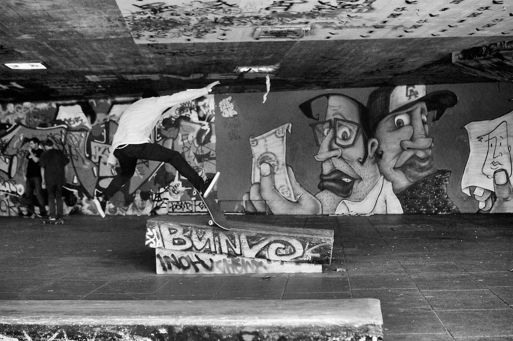 Skaters et street art à Londres sur la rive sud de la Tamise (Southbank) - Photo de Paul Hudson