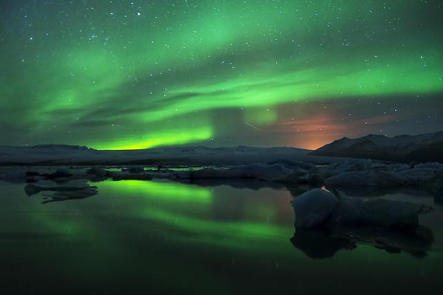 Northern lights over Jökulsárlón