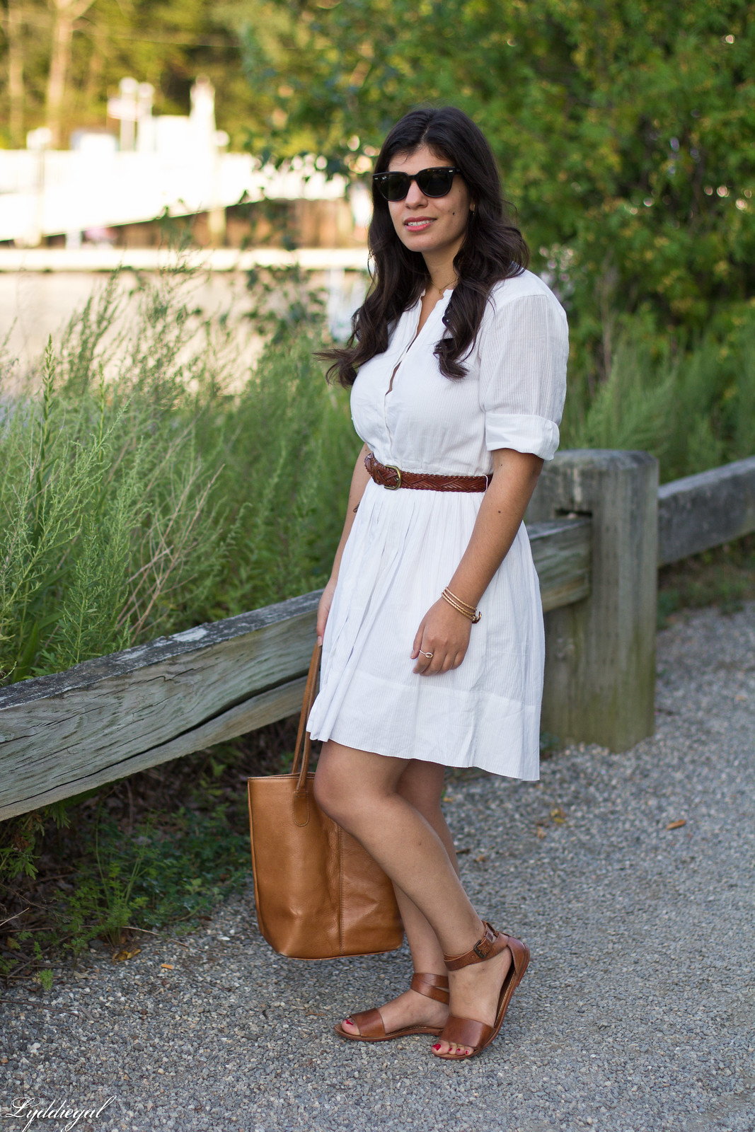little white dress, brown leather tote bag, trask sandals-2.jpg