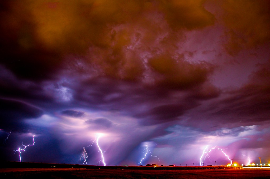 081112 - Stacked Nebraska Lightning!