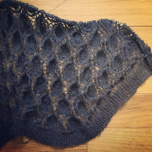 The linen shawl grows but I'm only about halfway through. One more week to try to finish it in time. #knitting #shawlknitting #moonlightsonatashawl