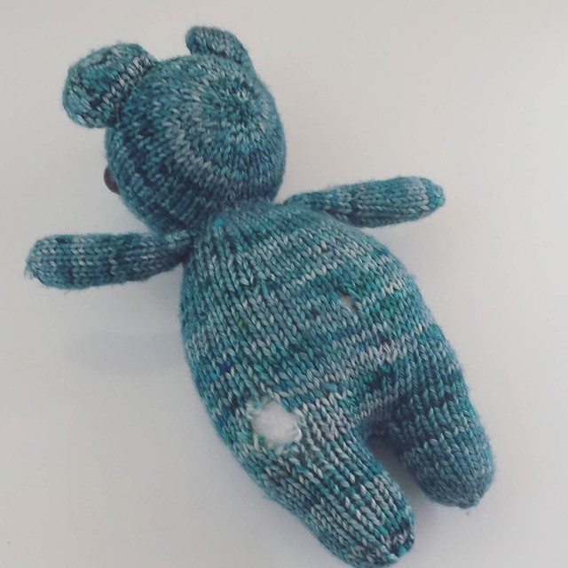 😭😭😭 teddy needs surgery! not sure what happened to him 😕 #knittersofinstagram #injuredteddybear