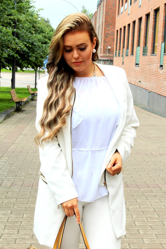 WHITE OUTFIT DEFSHOP