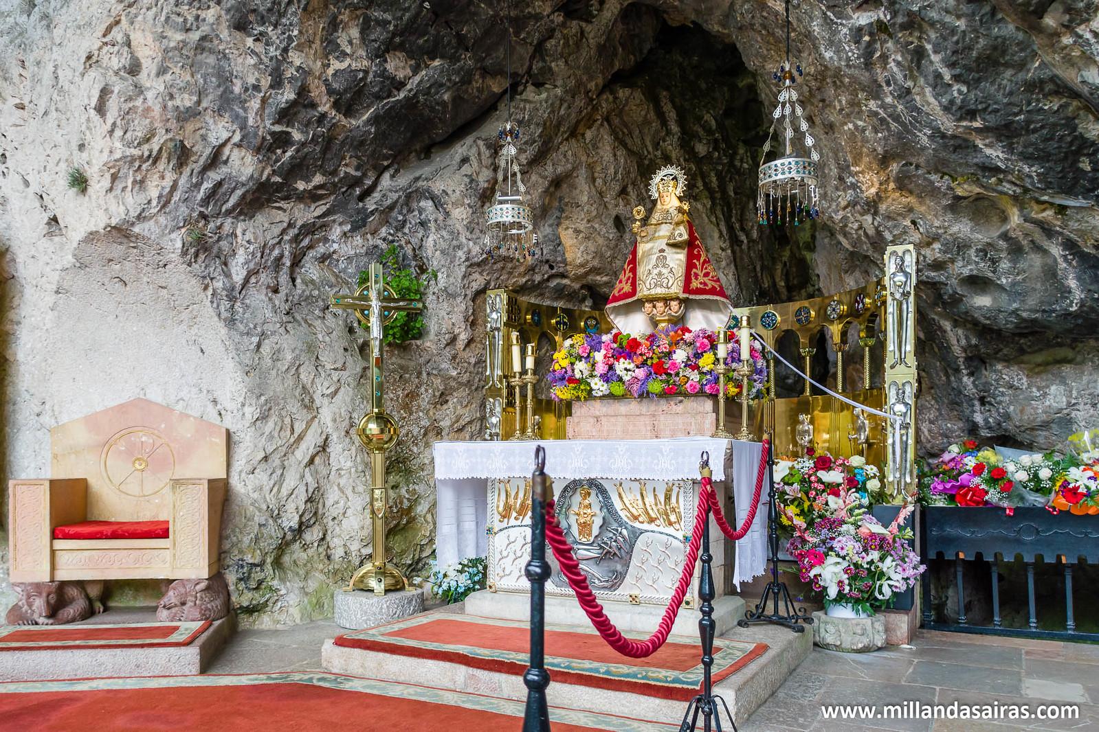 """Virgen de Covadonga, """"La santina"""""""