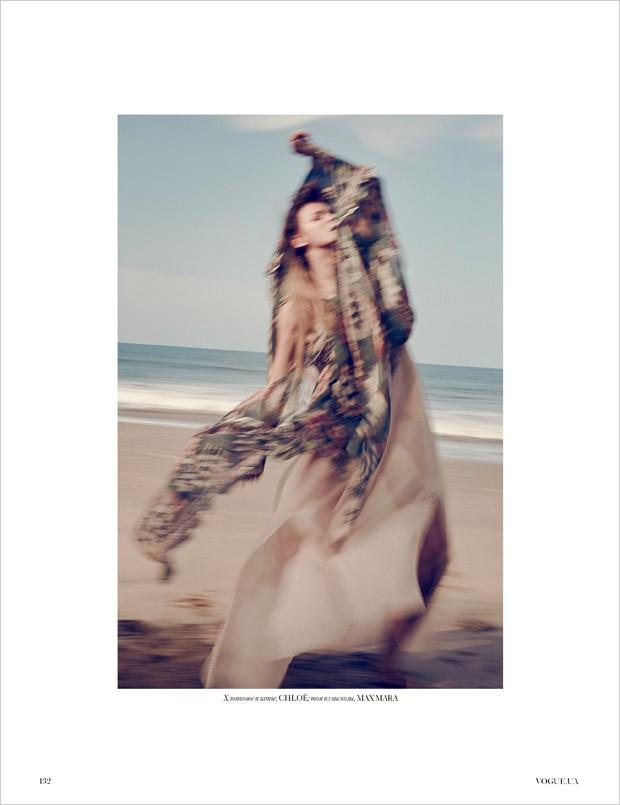 Carmen-Kass-Vogue-Ukraine-An-Le-05-620x805
