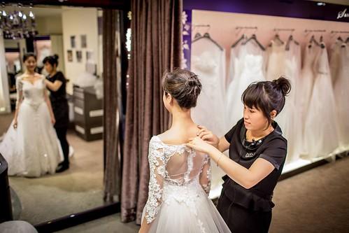 【高雄禮服評價推薦】聖羅雅麗緻婚紗101件禮服的秘密_試穿_(12)
